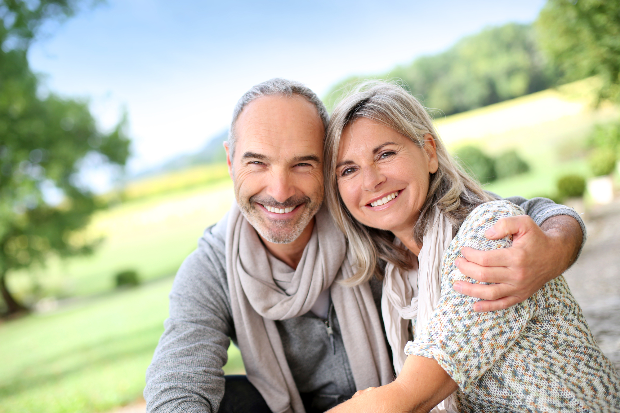 How do dentures compare to dental implants in Boca Raton?